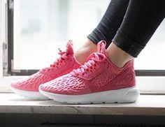 adidas Originals Tubular Runner: Coral