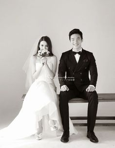 Hoing E Studio-Korea Photo Wedding Information Center helps create memorable memories of marriage - - Korean Wedding Photography, Couple Photography Poses, Photography Ideas, Photography Lighting, Dark Photography, Photography Business, Pre Wedding Photoshoot, Wedding Poses, Bride Poses