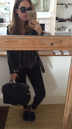 Discover recipes, home ideas, style inspiration and other ideas to try. Workwear Fashion, Work Fashion, Trendy Fashion, Fashion Outfits, Spring Fashion, Winter Fashion, Women's Fashion, Fashion Trends, Simple Outfits