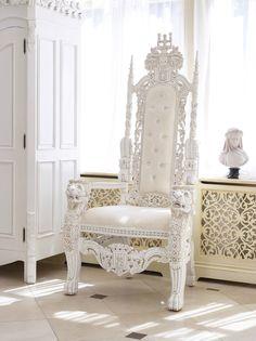 http://www.envyfurniture.co.uk/lord-raffles-carved-lion-head-throne-612-p.asp