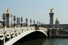 https://flic.kr/p/piTsd4 | Le Pont Alexandre III - Most Aleksandra III | in the background on the right the Hôtel des Invalides, on the left the Tour de Monparnasse