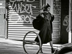 mystère à brooklyn: adriana lima by peter lindbergh for m le monde 6th september 2014