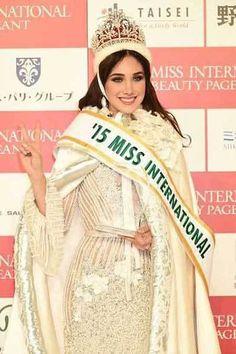 Edymar Martinez, Miss Venezuela wins Miss International 2015