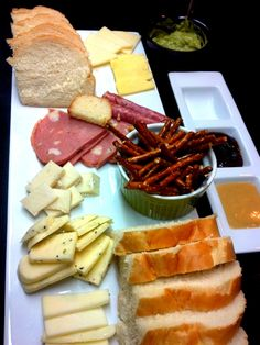Twin Tables - A Ploughman's Platter of delights.
