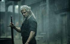 """In der zweiten Staffel der Erfolgs-Serie """"The Witcher"""" mit Henry Cavill soll das Universum des Hexers Geralt, der Prinzessin Ciri (Freya Allan) und der Zauberin Yennefer (Anya Chalotra) vergrößert werden."""