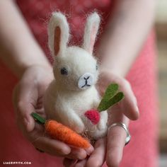 Explore the world of needle felting by making this felted bunny for your Easter decor! Pick up some roving wool and follow the easy photo tutorial!