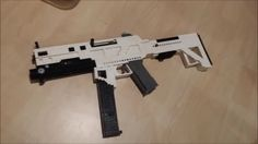 Some of my guns might take a while to build, so watch my older videos or the ones below meanwhile! Black Ops 3, Lego Halo, Lego Army, Lego Military, Lego Creations Instructions, Lego Guns, Lego Creative, Micro Lego, Lego Ship