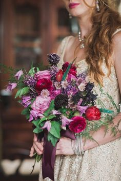 Moody purple bouquet | Photo by Justine Bursoni
