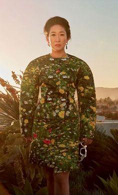 wears Christopher Kane London Fields print for June Issue Pretty People, Beautiful People, Fashion Brand, Luxury Fashion, London Fields, Sandra Oh, Cristina Yang, Christopher Kane, Grey's Anatomy
