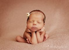 Yep, next baby shoot I'm definitely figuring out how to do this pose... Any volunteers?!!