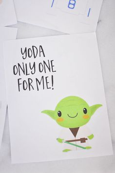 Free Printable Star Wars Valentines Day Cards featuring Yoda, Han Solo, an Ewok, and - the perfect printable Valentines Day Cards for a boy& class or a girl& classroom. Your kids will love these Star Wars characters on their Valentine& Day Cards. Star Wars Valentines Day, My Funny Valentine, Printable Valentines Day Cards, Valentines Day Party, Starwars Valentines, Valentine Cards, Valentines Watercolor, Valentines Day Drawing, Chewbacca