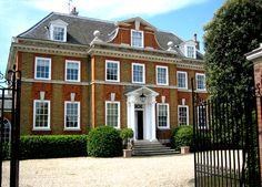 CLASSICAL / TRADITIONAL ARCHITECT - JULIAN BICKNELL & ASSOCIATES - HAM COMMON - ELEGANT LONDON HOME GARDEN SWIMMING POOL