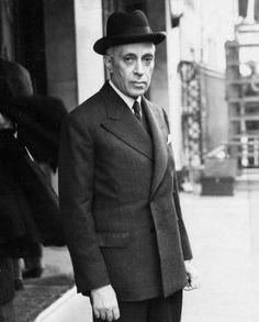 Indian Prime Ministers' visit to US: Jawaharlal Nehru First Prime Minister, Jawaharlal Nehru, Rajiv Gandhi, History Pics, Vintage India, India People, Blue Bloods, Mahatma Gandhi, Pms