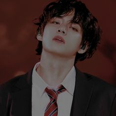 it's a story about a boy named taehyung.who loves his five brothers. Bts Taehyung, Bts Suga, Namjoon, Foto Bts, Catlyn Stark, Fanfiction, V Bts Cute, Bts Black And White, V Bts Wallpaper