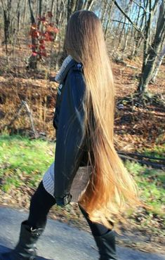 Long Ash Blonde Hair - 20 Best Long Hairstyles for Women of All Ages 2019 - The Trending Hairstyle Long Blond, Long Brown Hair, Beautiful Long Hair, Gorgeous Hair, Face Shape Hairstyles, Rapunzel Hair, Really Long Hair, Ash Blonde Hair, Trending Hairstyles