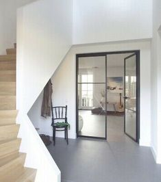 Home Interior Design, Interior Architecture, Modern Interior Doors, 1930s House Interior, Flur Design, Hallway Designs, House Stairs, Stairs Window, House Entrance
