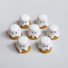 Halloween Time, Let's Have a Party! Enjoy those pumpkin ghost cakes, they are going to disappear soon!
