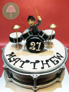 I doubt I would ever need to make this cake, but I just love the design :) Drum Birthday Cakes, Birthday Cakes For Men, Cakes For Boys, Drum Cake, Guitar Cake, Fondant Cakes, Cupcake Cakes, Cupcakes, Beautiful Cakes
