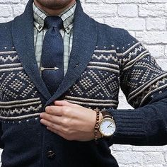 Tie Bar with sweater