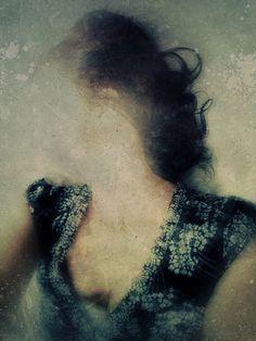Slow Erase by Sarah Jarrett Leeggezogen