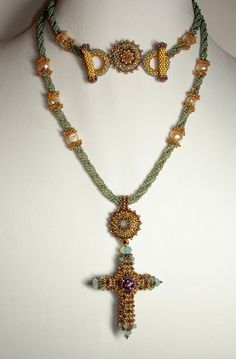 Isabella of Castile Beadwoven Necklace.