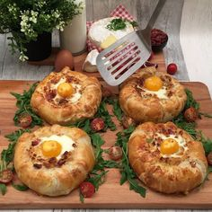 Camembert-Auflauf - Famous Last Words Tasty Videos, Food Videos, Cooking Recipes, Healthy Recipes, Cooking Courses, Oven Recipes, Vegetarian Cooking, Food Platters, Diy Food