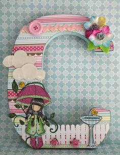 Técnicas de Scrapbooking II Letter A Crafts, Wood Letters, Letter Art, Monogram Letters, Fun Crafts, Diy And Crafts, Paper Crafts, Scrapbook Letters, Alphabet Art