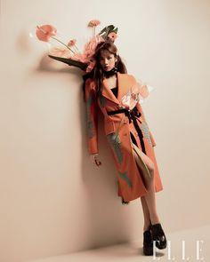 Blackpink Fashion, High Fashion, Fashion Design, Fashion Editor, Marie Claire, Nylons, Rapper, Lisa Blackpink Wallpaper, Vogue