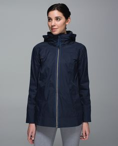 It might be raining, but we've got places to be! We designed this versatile rain jacket with waterproof fabric and strategically placed sealed seams to help keep us warm and dry when we're on the go.