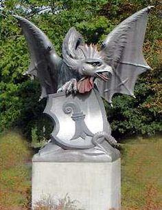 Stadtwappen Basel, die Legende vom Basler Basilisken Basel, Switzerland, Garden Sculpture, Germany, Outdoor Decor, Austria, Sweet, Statues, Sculptures