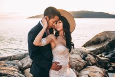 Beautiful Ocean Side Elopement in BC, Canada taken by Laura Olson Photography Best Love Couple Images, Love Couple Photo, Ronaldo Images, Ronaldo Photos, Cute Couples Photos, Couples Images, Couple Photos, Sunshine Coast Bc, Romantic Pictures