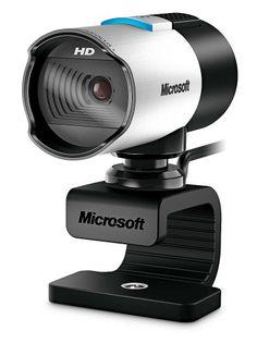 Mature amateur flashing on webcam