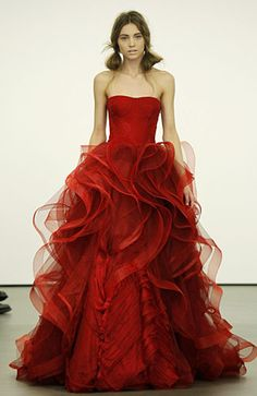 Vera Wang Red Wedding Gown - Based on your venue deal, there could be a few limitations with regards to the sort of decor it is possible to generate or Vera Wang Bridal, Vera Wang Wedding, Red Wedding Dresses, Wedding Dress Styles, Bridesmaid Dresses, Cream Bridesmaids, Beautiful Gowns, Beautiful Outfits, Gorgeous Dress