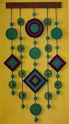 Crochet Decoracion Colgantes Ideas For 2020 Crochet Wall Art, Crochet Wall Hangings, Crochet Curtains, Yarn Crafts, Felt Crafts, Diy And Crafts, Crochet Decoration, Crochet Home Decor, Crochet Designs