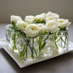 Ideas for flowers bouquet green white roses Flowers In Jars, Table Flowers, White Flowers, Wedding Table Decorations, Wedding Centerpieces, Centrepieces, Table Centerpieces, Inexpensive Centerpieces, Centerpiece Ideas