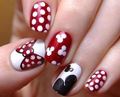 minnie mouse nails. ♡