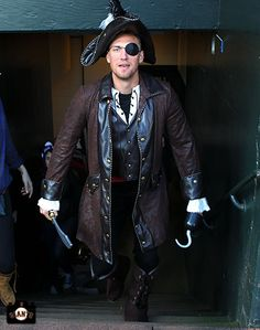 Pirate Pence filming 2014 commercials (Jan 30, 2014)