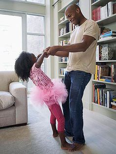 A growing number of men have decided to be stay-at-home dads-- taking kids to school, picking up dry cleaning and much more. Read these tips on how to master being a SAHD.