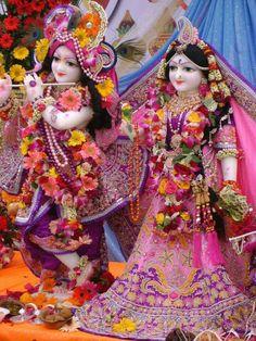 Radha Krishna Songs, Jai Shree Krishna, Radha Krishna Pictures, Radha Krishna Love, Radhe Krishna, Lord Krishna, Radha Rani, Shree Krishna Wallpapers, Radha Krishna Wallpaper