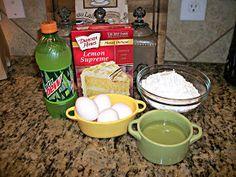{Kaitlin in the Kitchen}: Mountain Dew Cake