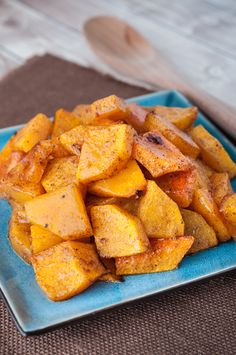This oven roasted butternut squash recipe is a perfect side for many fall main courses. Its specially delicious with roasted chicken or turkey.