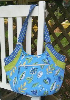 This perfectly coordinated Quattro was created by Barbara Keith of Milton, FL June 2013 Handbag of the Month Contest   Studio Kat Designs
