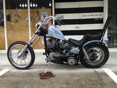 Old School Chopper, Brat Cafe, Bobber Chopper, Custom Harleys, Modified Cars, Choppers, Scrambler, Cars And Motorcycles, Harley Davidson