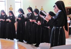 Passionist nuns-renewal of vows