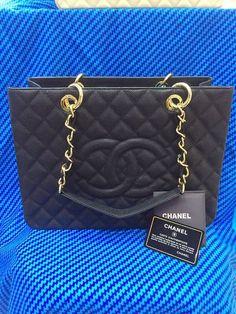 9e0cd858e6c Bolsa de Grife CHANEL Shopper em Couro Caviar Preta - Linha Premium