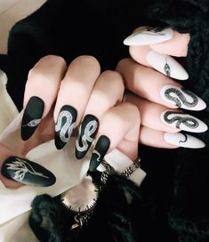 Top 18 almond shape nails designs in 2020 in 2020 Black Acrylic Nails, Best Acrylic Nails, Black Manicure, Black Stiletto Nails, Pointed Nails, Nail Swag, Basic Nails, Fire Nails, Dipped Nails