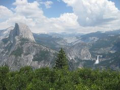 Yosemite National Park: View from Glacier Point looking towards Half Dome