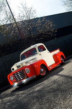 Ford Pickup - 1949 Wish it weren't lowered Classic Ford Trucks, Old Ford Trucks, Pickup Trucks, Classic Cars, Antique Trucks, Vintage Trucks, Antique Cars, Rat Rods, Cool Trucks