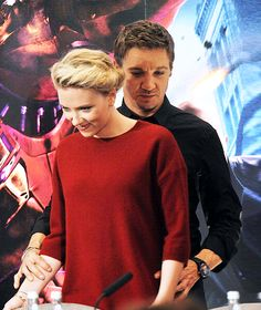 Jeremy Renner & Scarlett Johansson should just become a couple already.