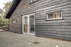 Luxe kantoorschuur   Wesselshoek Garage Doors, Outdoor Decor, Home Decor, Lush, Decoration Home, Room Decor, Interior Design, Home Interiors, Interior Decorating